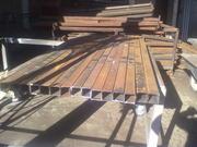 металические столбики