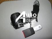 Автомобильный трехточечный ремень безопасности