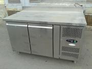 Продам двухдверный холодильный стол Tefcold бу