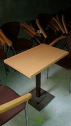 Продам столы коричневые бу