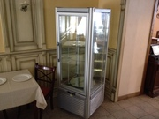 Продам кондитерскую холодильную витрину Tecfrigo Prisma 400 бу