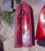Продам оригинальные фонари на Renault Kangoo