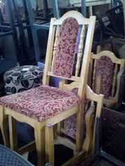 Продам светлые деревянные стулья бу