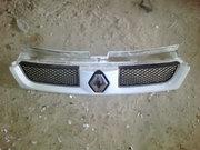 Продам оригинальную решетку радиатора Renault Trafic