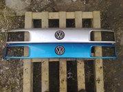 Продам оригинальную решетку радиатора VW Passat B3