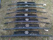 Продам оригинальную решетку радиатора VW Golf 3