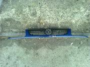 Продам оригинальную решетку радиатора VW Polo