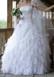 Продам весільну сукню. Білого кольору.